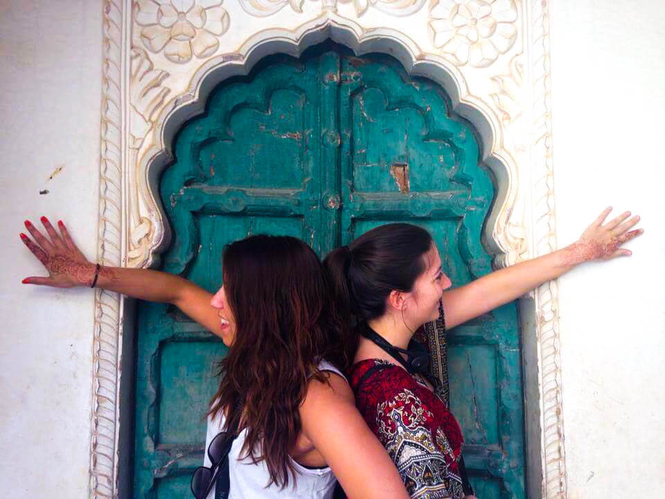 Henna-tattoo-at-Mehrangarh-fort