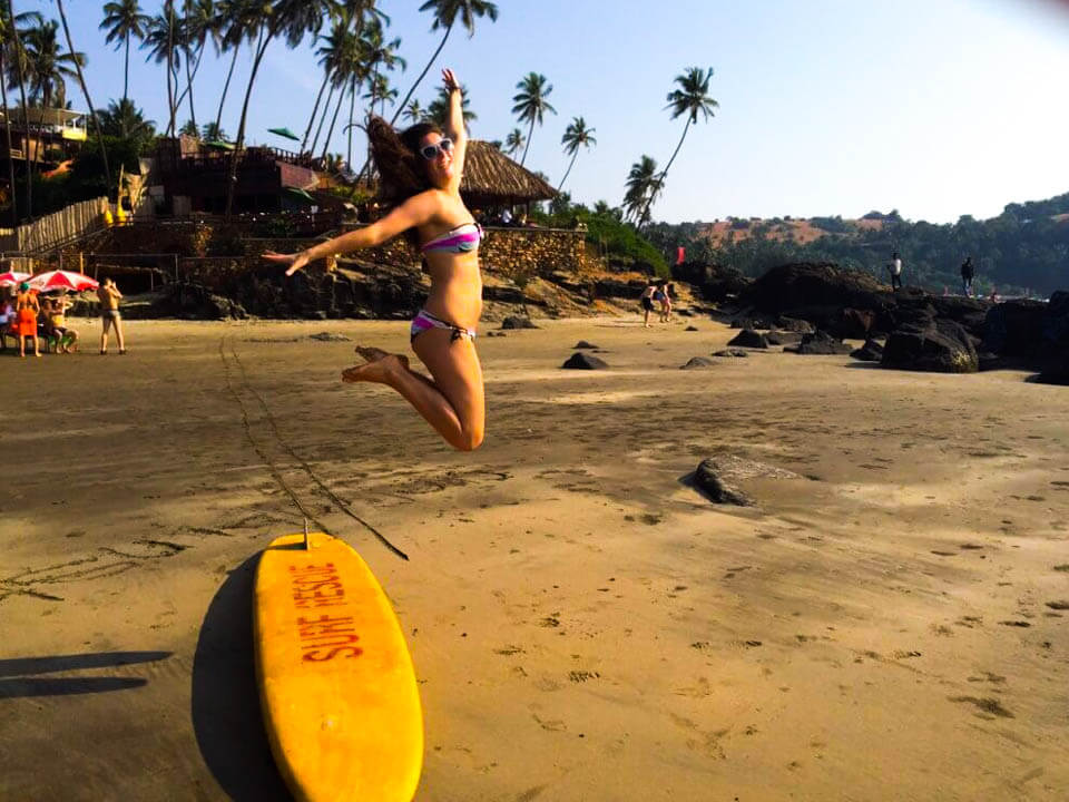 Jump-photo-at-the-beach-in-Goa