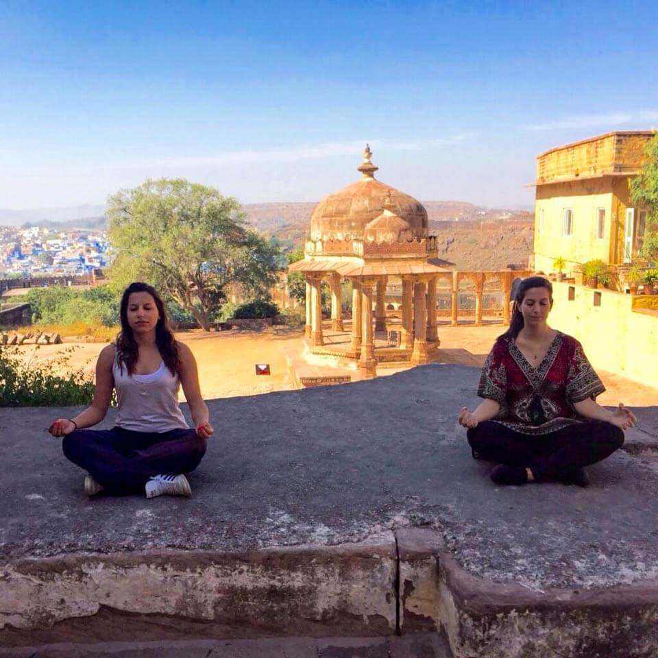 Yoga-at-Mehrangarh-fort-in-Jodphur