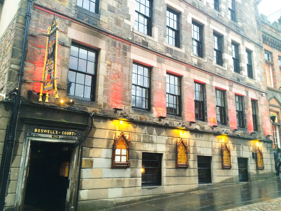 48 hours in Edinburgh-whiskey-distillery