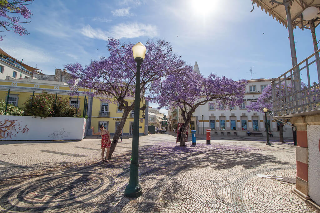 Exploring-old-town-faro-portugal