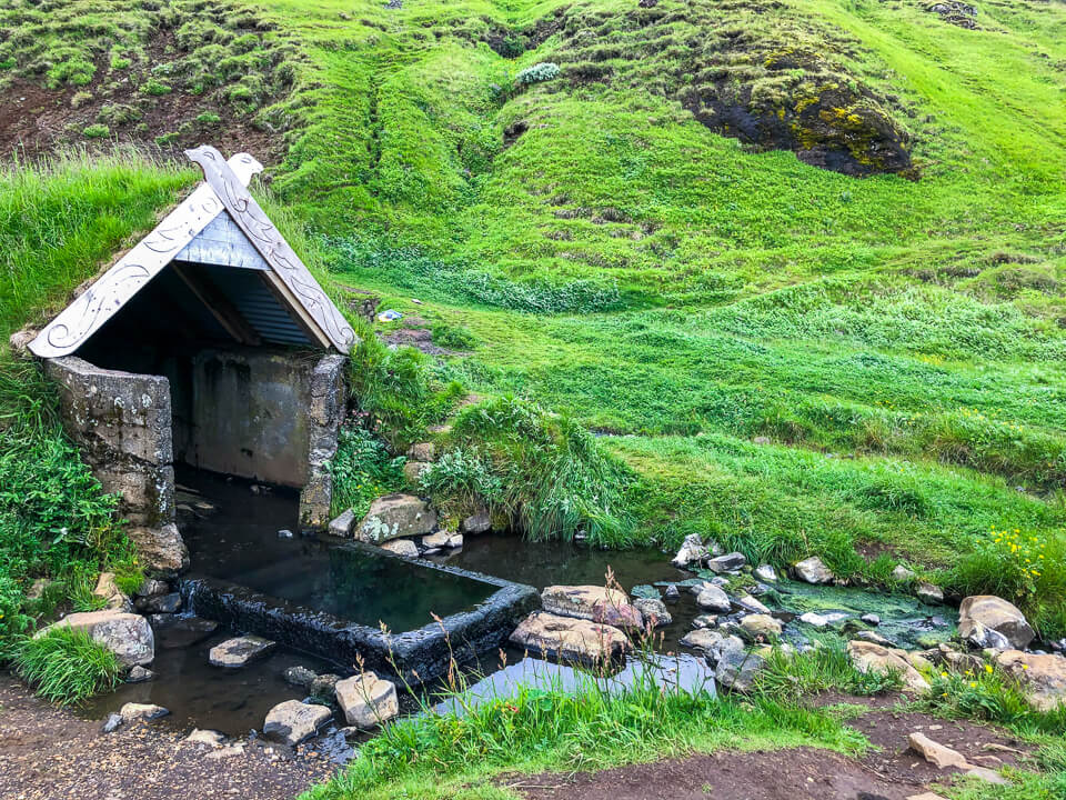 Hotpot Hrunalaug in Iceland