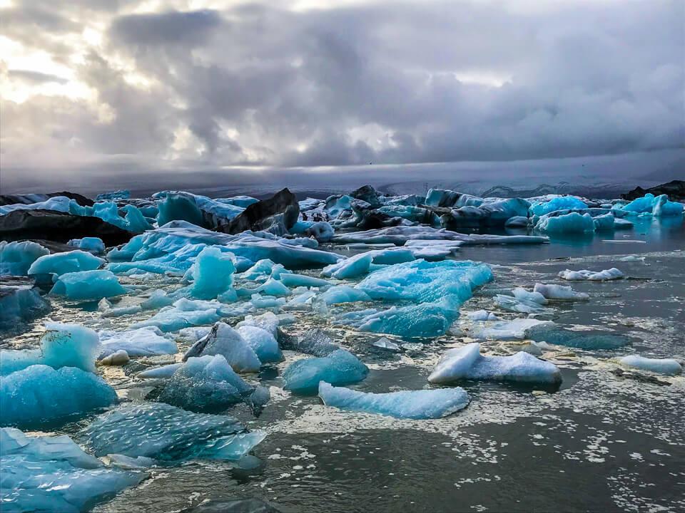ice bergs at Jökulsárlón in iceland