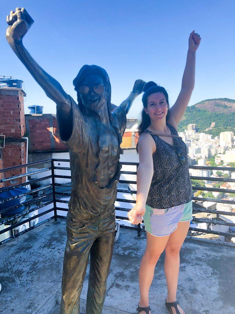 Michae-Jackson-statue-in-Santa-Marta-Favela-in-Rio