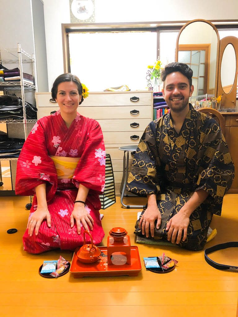 sake-tasting-at-our-Airbnb-experience