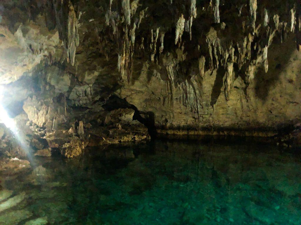 Hinagdanan-Cave-in-bohol-island