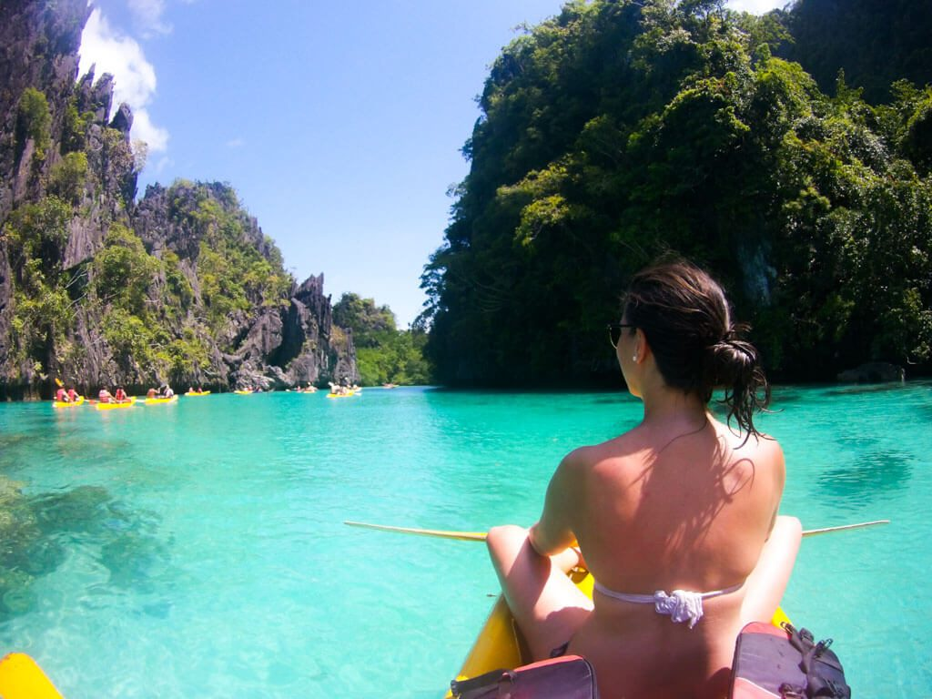 Kayaking-to-the-big-lagoon-in-EL-Nido