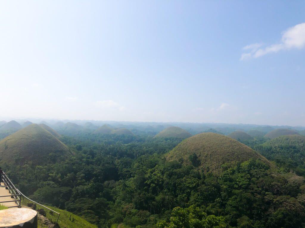 chocolate-hills-in-Bohol-island