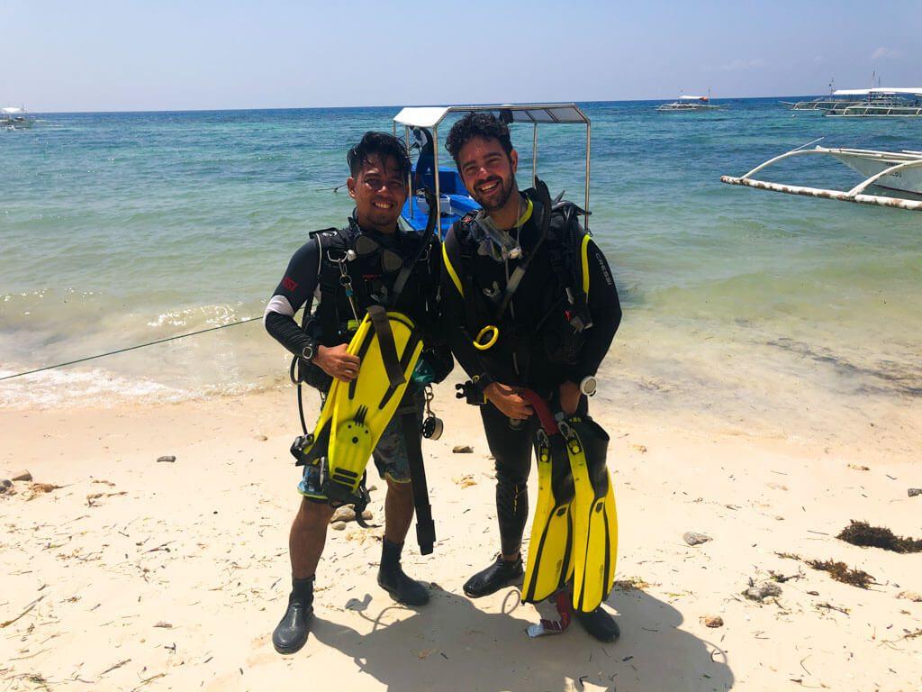 diving-in-bohol