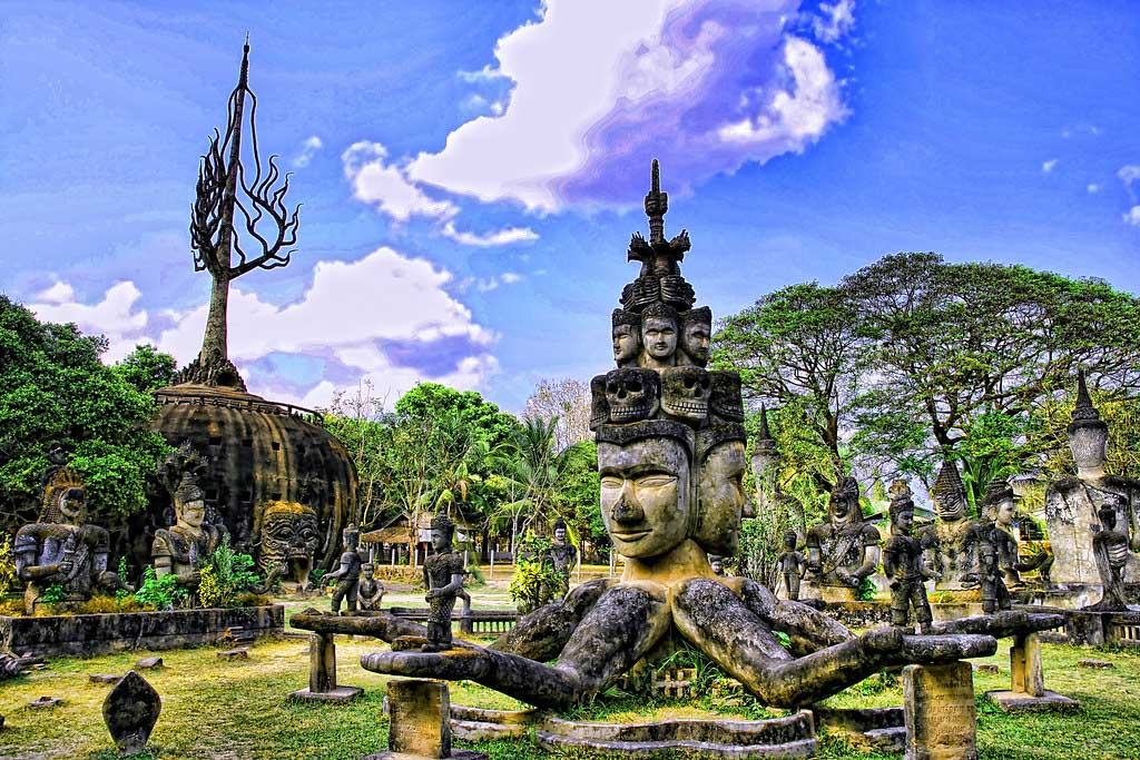 Buddha-Park-10-things-to-do-in-Vientiane