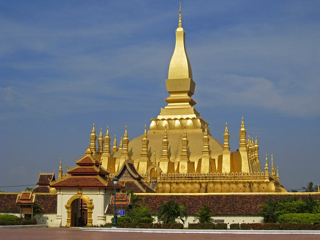 Phra-That-Luang-temple-in-Vientiane