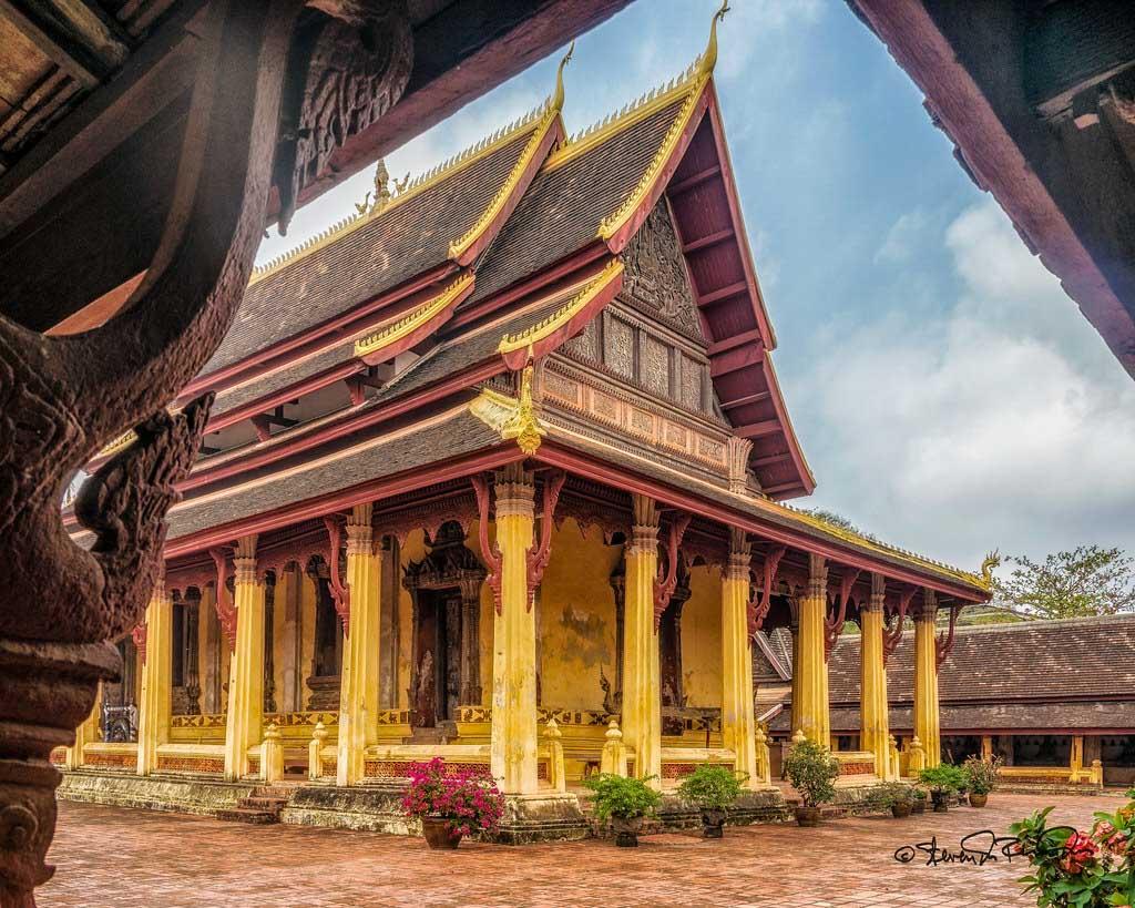 Wat-Si-Sake-temple-in-Vientiane-Laos